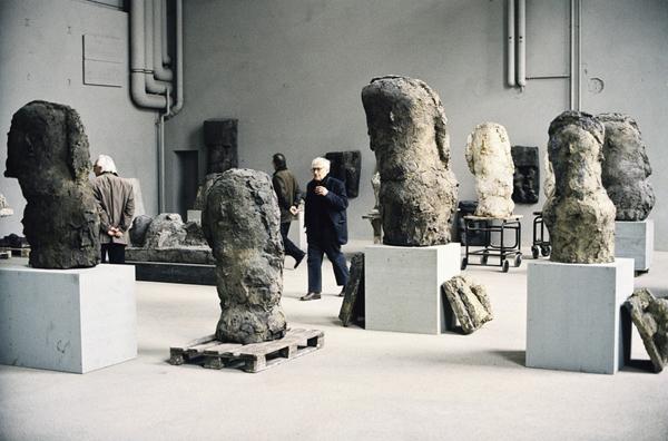 Le sculture di Hans Josephsohn